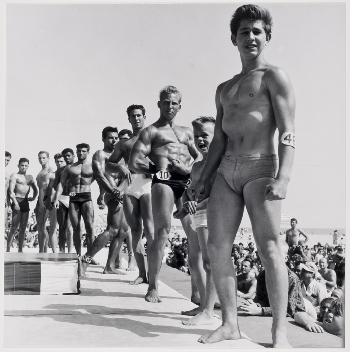 Strong Man contest at Muscle Beach